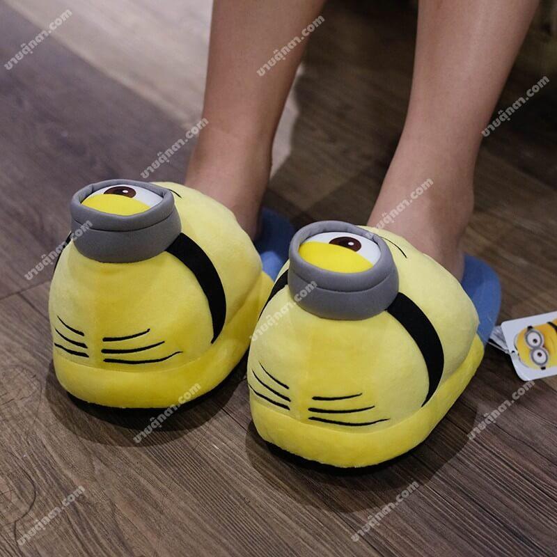รองเท้ามินเนี่ยน Minions จากเรื่อง มิสเตอร์แสบร้ายเกินพิกัด Despicable Me